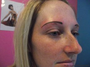 tatouage sourcils permanent-147485049179